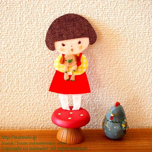 レトロなアップリケ人形